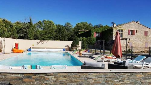 Bastide Vadon : Guest accommodation near Éguilles