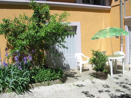 Apartment rue pasteur : Apartment near Lizine