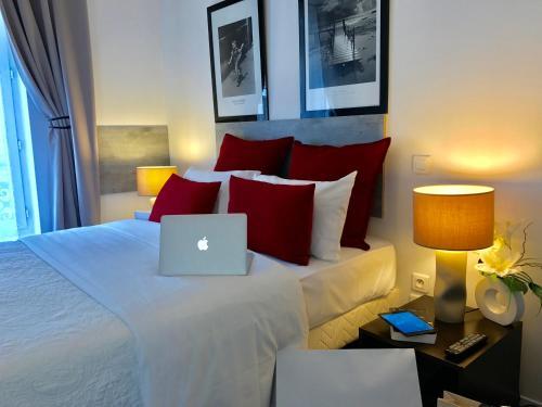 Hôtel Clairefontaine : Hotel near Paris 14e Arrondissement