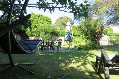 Les Tresors de Tasti : Bed and Breakfast near Villiers-le-Morhier