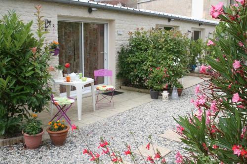 A Maree Hotes : Guest accommodation near Graye-sur-Mer