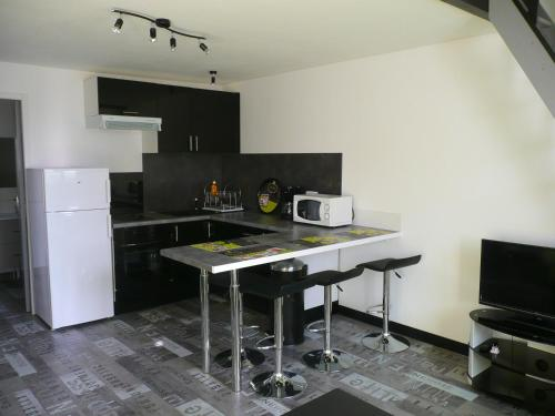 T2 APPARTEMENT N°4 : Apartment near L'Houmeau