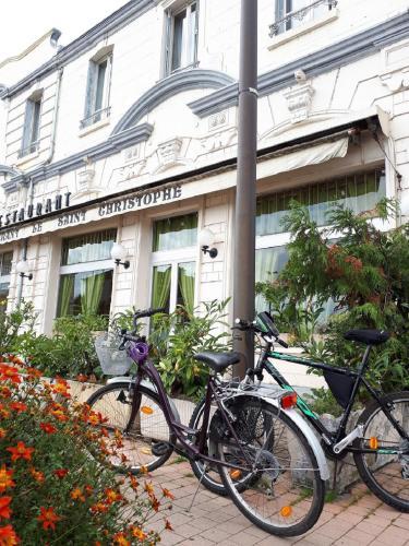 Le Saint Christophe : Hotel near Dampierre-sous-Bouhy