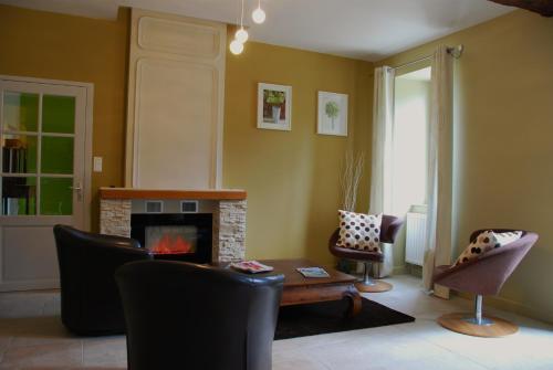 Gîte - Holiday Home Vent d'Ange : Guest accommodation near Gaja-et-Villedieu