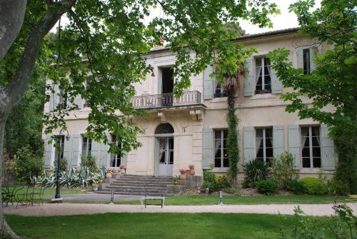 Château Juvenal : Guest accommodation near Saint-Hippolyte-le-Graveyron
