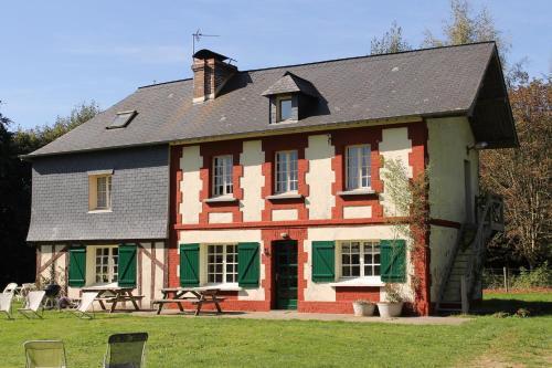Propriété à 5 km de Honfleur : Guest accommodation near Saint-Benoît-d'Hébertot