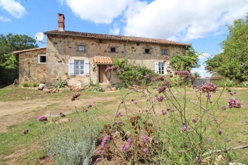 Petit Coin : Bed and Breakfast near Bellac