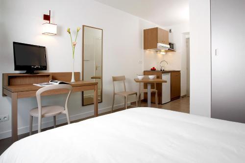 Appart'City Le Mans Centre : Guest accommodation near Souligné-Flacé