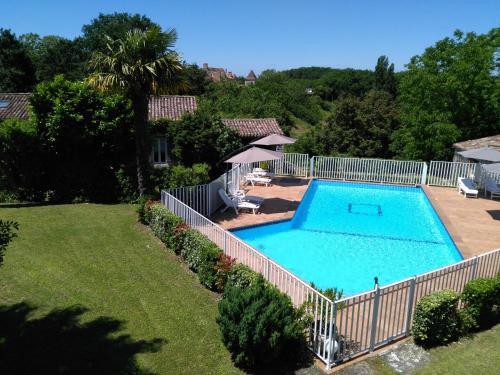 Maisons de Vacances La Petite Barjoune : Guest accommodation near Vergt-de-Biron
