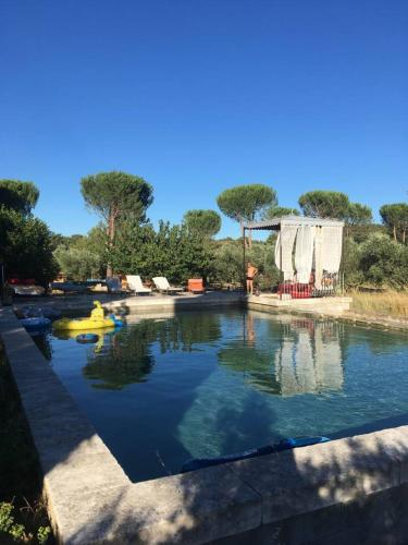 Domaine Du Coulet : Guest accommodation near Salon-de-Provence