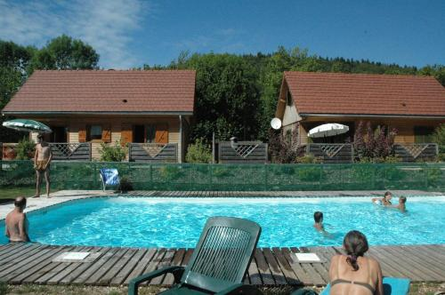 chalet des planchettes : Guest accommodation near Mirebel