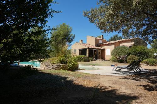 Villa Dourmidou : Guest accommodation near Le Castellet