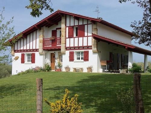 Holiday home Chemin d'Orgenbidea : Guest accommodation near Ahetze