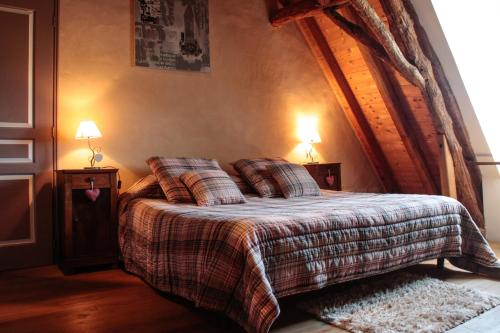 Chambre d'hôtes La Ferme de la Croix. : Bed and Breakfast near Lavalade