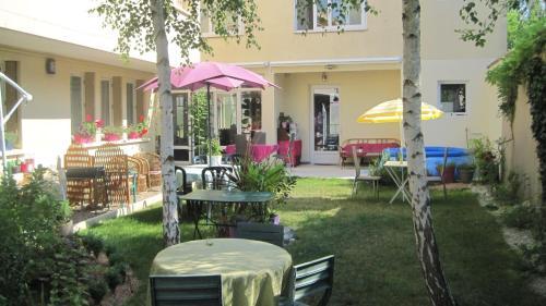 Maison Saint Louis : Guest accommodation near Saint-Léger-lès-Paray