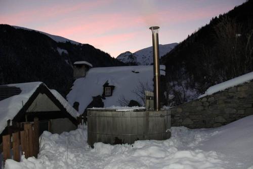 Chalet Luxe a la montagne : Guest accommodation near Aulon