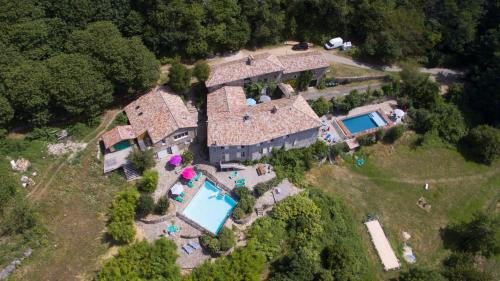 Domaine Le Fraysse : Guest accommodation near Loubaresse