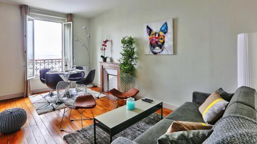 In artist village of Montmartre with view on Sacre Coeur : Apartment near Paris 18e Arrondissement
