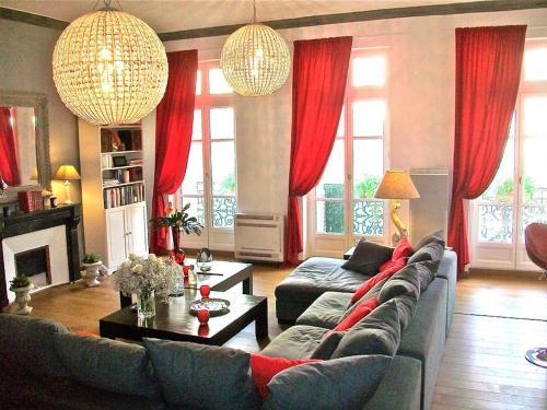 Luxury Rental Marseille Imperial - Rue de la République : Apartment near Marseille 16e Arrondissement