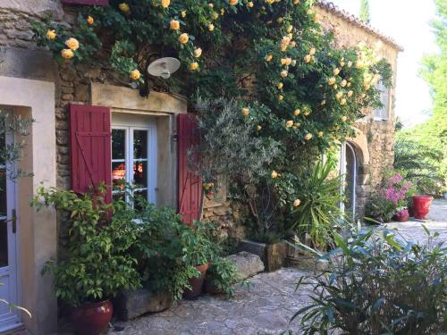 Les Aiguières en Provence : Bed and Breakfast near Bollène