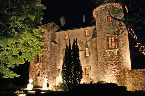 Château du Cros : Bed and Breakfast near Saint-Maurice-Navacelles
