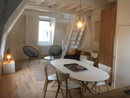 67 rue de la monnaie : Apartment near La Madeleine