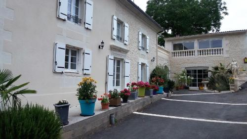 Les Orchidees Site du Futuroscope Jaunay-Clan : Bed and Breakfast near Vouneuil-sur-Vienne