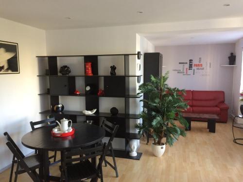 Appartement Granville : Apartment near Longueville