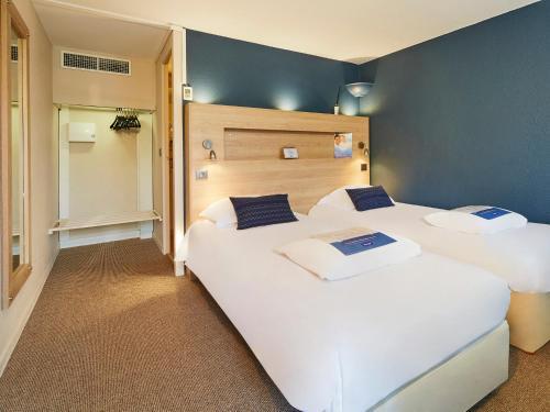 Kyriad Digne-Les-Bains : Hotel near Sourribes