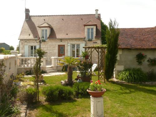 Aux Jardin's de la Bosniere : Guest accommodation near Saint-Rémy-sur-Creuse