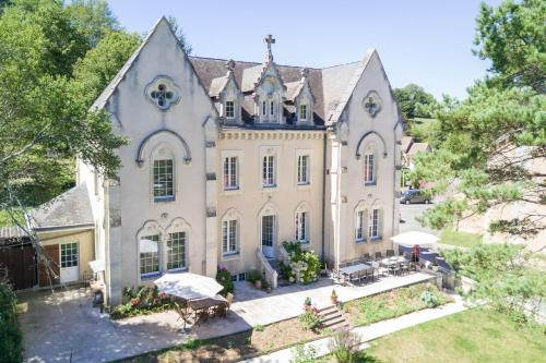 Le manoir de Sanilhac : Bed and Breakfast near Creyssensac-et-Pissot