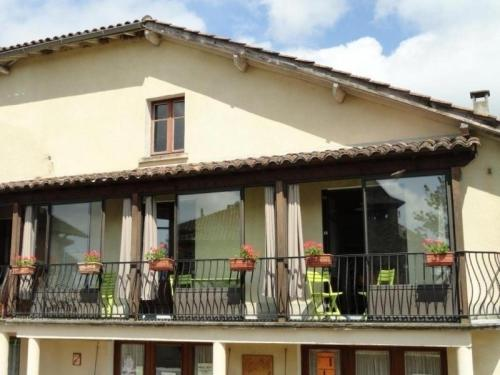 House Prendeignes - 4 pers, 80 m2, 4/3 : Guest accommodation near Viazac