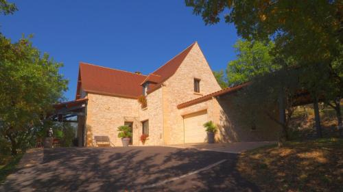 Villa Les Bernadoux : Guest accommodation near Marnac