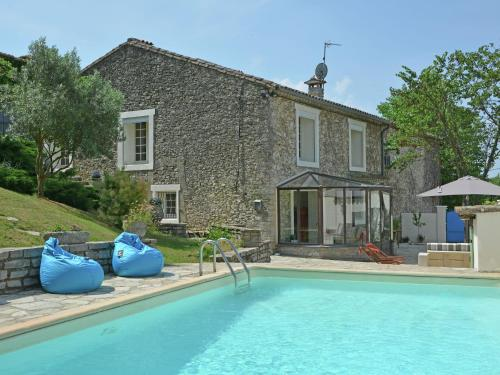 Holiday home Les Clos De Coulouvres 3 : Guest accommodation near Corconne