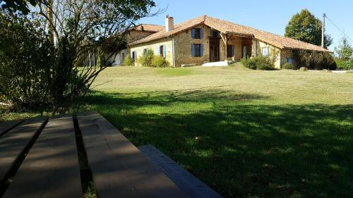 Gîte Picanas : Guest accommodation near Cazeneuve-Montaut