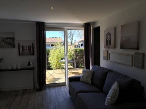 Studio chez Nath et eric : Apartment near Saint-Michel-Escalus
