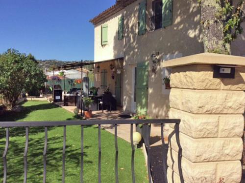 Villa Montauroux : Guest accommodation near Montauroux