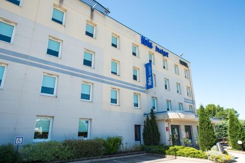 ibis budget Dijon Saint Apollinaire : Hotel near Beaumont-sur-Vingeanne