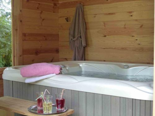 Chambres d'Hôtes Les Châtaigniers de Florac : Guest accommodation near L'Herm