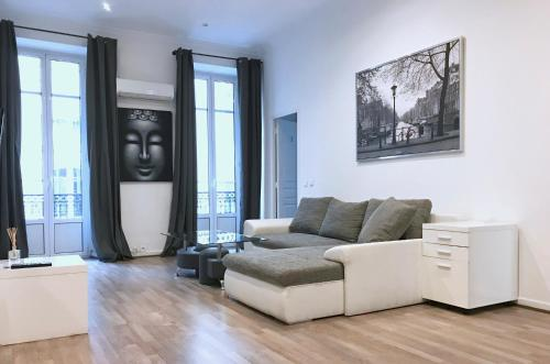 Appartement Saint Siagre T5 : Apartment near Nice