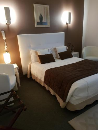 Hotel Christina - Contact Hotel : Hotel near La Chapelle-Orthemale