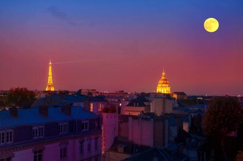 Eiffel Tower view + terrace Saint Germain des Pres : Apartment near Paris 7e Arrondissement