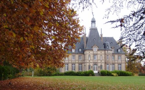 Château Rivesarthe : Bed and Breakfast near Fercé-sur-Sarthe