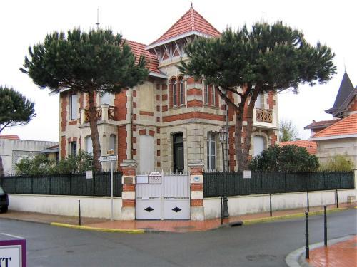 Villa Le Cid : Guest accommodation near Grayan-et-l'Hôpital