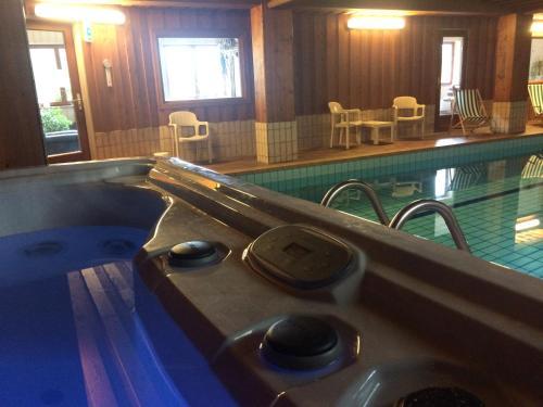 Hotel - Spa Logis Domaine Langmatt : Hotel near Ranspach