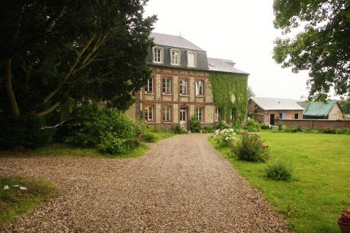 La tourelle : Bed and Breakfast near Montroty