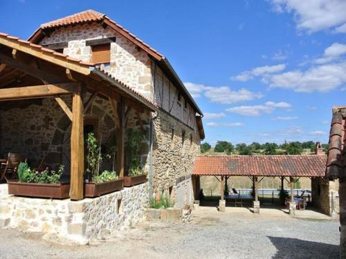 House La bergerie de seyrignac : Guest accommodation near Viazac