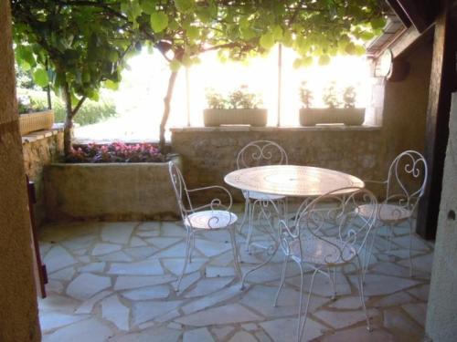 House Saint-projet - 7 pers, 100 m2, 4/3 : Guest accommodation near Saint-Projet