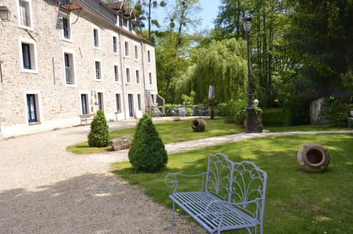 Le Moulin de Pommeuse : Bed and Breakfast near Saint-Augustin