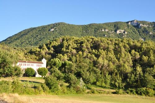 Domaine de La Gardette : Guest accommodation near Saint-Léger-du-Ventoux